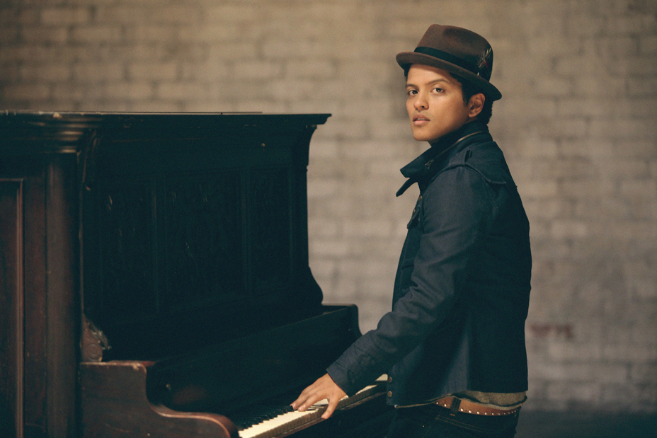 Bruno_Mars_-_Main_Pub_-_Harper_Smith