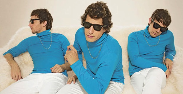 the-lonely-island-turtleneck-and-chain