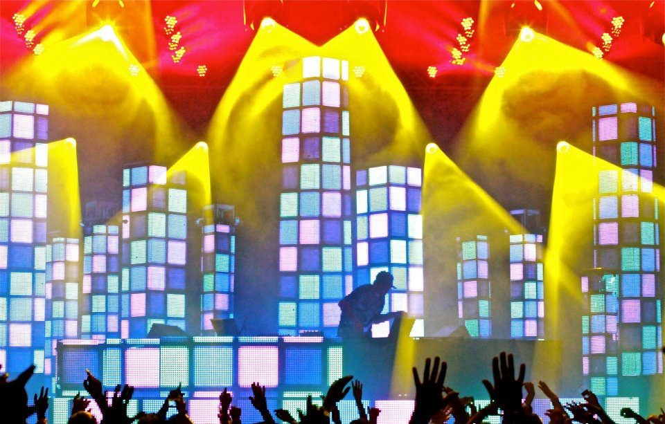 pretty lights 2011