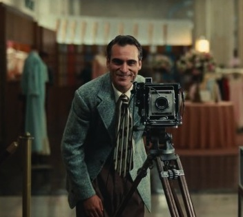 joaquin-phoenix-the-master-trailer-550x317