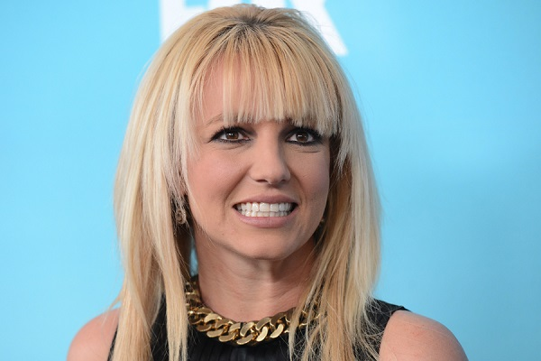 britney-spears-music-scares-pirates.jpg